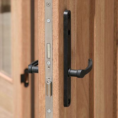 MULTIPOINT LOCK SYSTEM